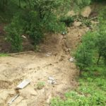 ~崩れた土砂が、谷底まで届いています~