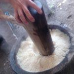 餅つきは、最初によく米粒をつぶすのが肝心!