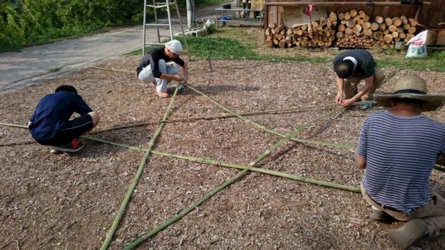 組み合わせたら竹を固定