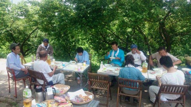 お昼には、みんなで同じ釜の飯を食べました♪