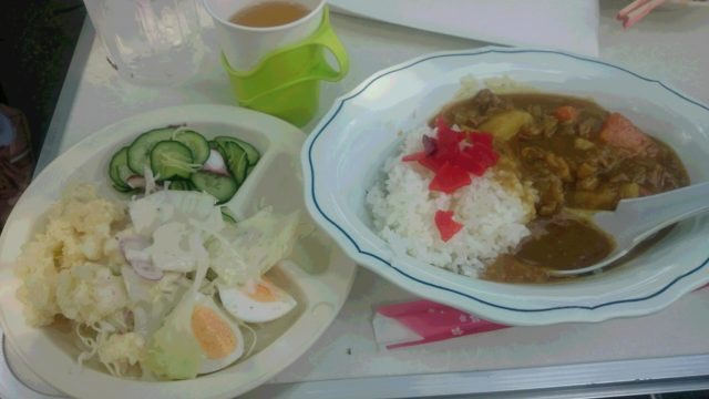 本日のお昼ごはん、里山シェフお手製の、カレーライスランチ♡